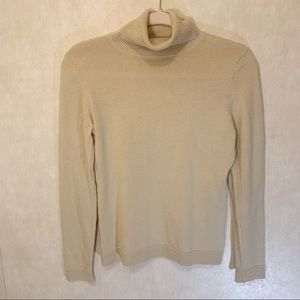 LOFT turtleneck sweater. 55%Merino Wool. Size S
